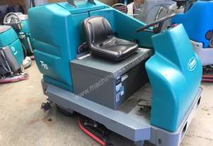 Tennant   T15 ride on scrubber