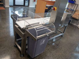 Metal Detector/Checkweigher Combo Machine - picture1' - Click to enlarge