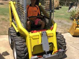 Wacker Neuson Skid Steer 2.4T 4ea x New Tires FULLY SERVICED  - picture3' - Click to enlarge