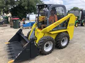 Wacker Neuson Skid Steer 2.4T 4ea x New Tires FULLY SERVICED  - picture0' - Click to enlarge