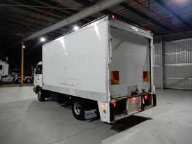 Nissan Condor Road Maint Truck - picture2' - Click to enlarge