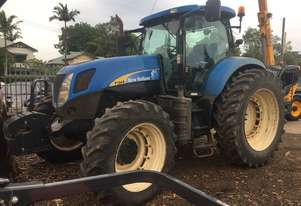 New HollNd T7040 Tractor 4WD 180hp