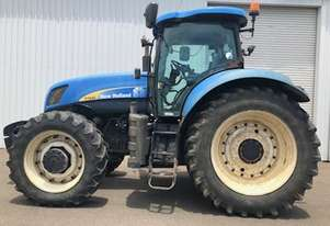 New Holland T7040 Tractor 4WD 180hp