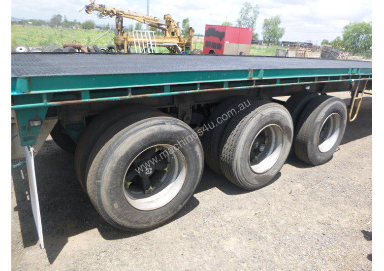Haulmark B/D Lead/Mid Flat top Trailer