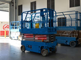 New Genie GS-1932 Scissor Lifts - picture3' - Click to enlarge