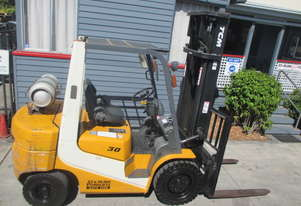 2.5 ton TCM Side Shift, LPG Used Forklift