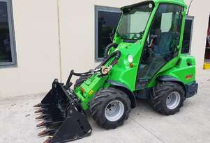 Used Avant 635 articulated compact loader with A/C Cabin with 4-in-1 bucket