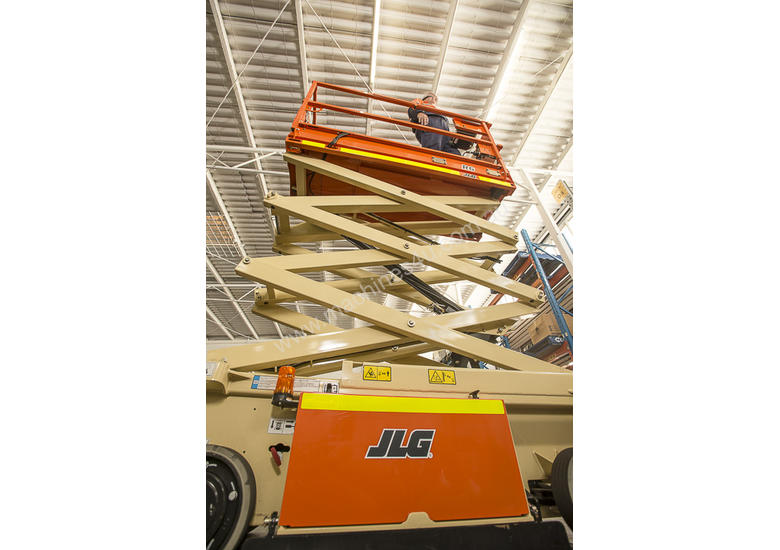 R6 Scissor Lift for sale ( only used for 22 hours in training)