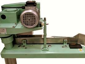 Bag Closing Sewing Machine - picture2' - Click to enlarge