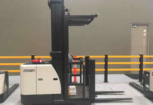 Crown    Stock Picker Forklift