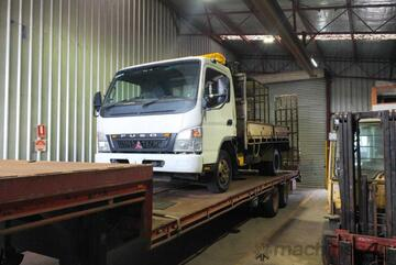 mitsubishi canter 2.0 t IN STOCK READY TO GO