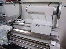 � 460mm Swing Centre Lathe, 80mm Spindle Bore, 1.1m BC - picture8' - Click to enlarge
