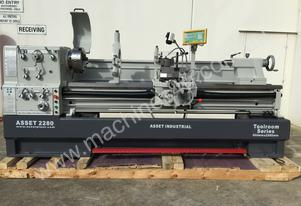 Heavy Duty Lathe - 105mm Bore, 560mm Swing