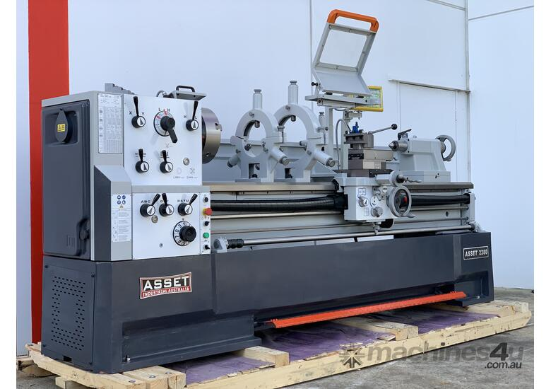 New EURO Heavy Duty Lathe  - 2000mm Bed, 105mm Bore, 560mm Swing, Fully Featured
