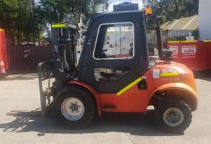 MUST GO MAXIMAL 3.5 T ROUGH TERRAIN FORKLIFT