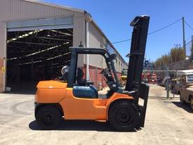 Used Toyota 7FG40 LPG forklift - picture0' - Click to enlarge