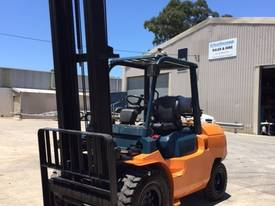 Used Toyota 7FG40 LPG forklift - picture5' - Click to enlarge