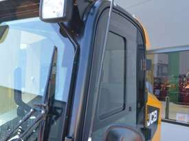 JCB 320T 4IN1 auger drive, augers, levelling bar  - picture18' - Click to enlarge
