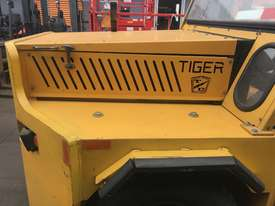 Taylor Dunn Tiger Tow Tug Tractor TC-120 55 Ton Tow Capacity Heavy Duty - picture4' - Click to enlarge