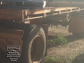 Fruehauf Dual Axle Dog Trailer, 14ton carry - picture0' - Click to enlarge