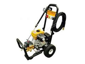 Crommelins Subaru 2700PSI Pressure Washer, 7hp - picture17' - Click to enlarge