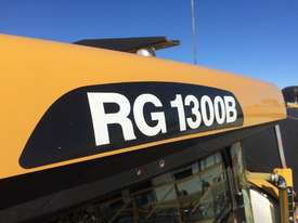 RoGator RG1300B Boom Spray Sprayer - picture4' - Click to enlarge