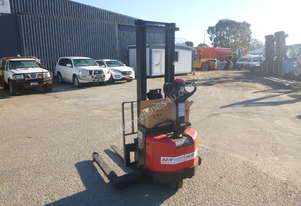 Raymond RAS25 1 Ton Walk Behind Forklift - In Auction