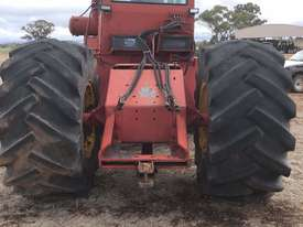 Versatile 800 FWA/4WD Tractor - picture2' - Click to enlarge