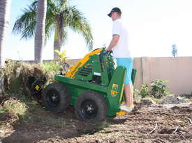 KANGA PW628 6 SERIES PETROL MINI LOADER - picture0' - Click to enlarge