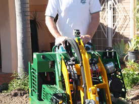 KANGA PW628 6 SERIES PETROL MINI LOADER - picture1' - Click to enlarge