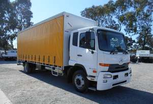 UD PK16 250 Curtainsider Truck