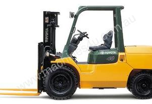 3.5 - 5.0 Tonne 7-Series 4-Wheel Forklift