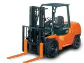 3.5 - 5.0 Tonne 7-Series 4-Wheel Forklift - picture5' - Click to enlarge