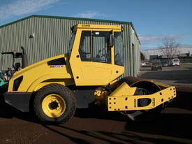 BOMAG BW177 VIBRATING SMOOTH DRUM ROLLER - picture0' - Click to enlarge