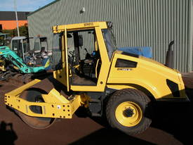 BOMAG BW177 VIBRATING SMOOTH DRUM ROLLER - picture11' - Click to enlarge