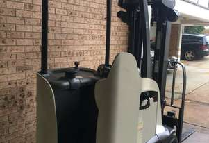 FORKLIFT-CROWN 1.5ton 4.3m SS Container Mast Stand Up Legless Great Batt!!!!
