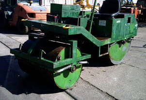 lockwood 2000 cricket pitch roller , diesel powered , ex council unit