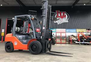 Toyota 3.0 Tonne Forklift - A very tidy and clean example of Toyota 8 Series reliability