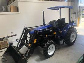 New Foton Lovol 60hp Tractor M604 with 4in1 Front End Loader Sale on Now!! - picture3' - Click to enlarge