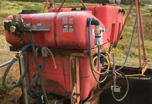 800ltr Tractor spray tank, used for spot spraying