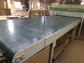 Scissor Lift & Motorised out-feed conveyor - picture1' - Click to enlarge