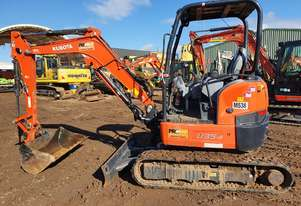 KUBOTA U35-4 EXCAVATOR WITH LOW 450 HOURS, HITCH AND BUCKETS