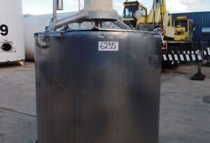Stainless Steel Mixing Tank (Vertical), Capacity: 1,500Lt