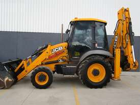 2015 JCB 3CX - picture1' - Click to enlarge