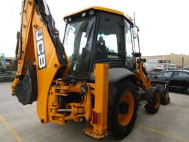 2015 JCB 3CX - picture2' - Click to enlarge