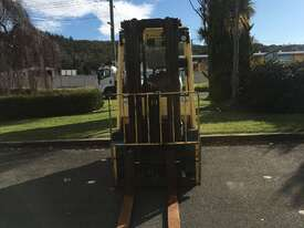 2.5T CNG Counterbalance Forklift - picture1' - Click to enlarge