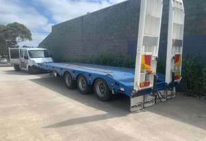 TRIA AXLE TAG TRAILER