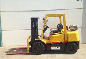 Forklift Hire Sydney 4.ton with container mast,side shift and weight gauge