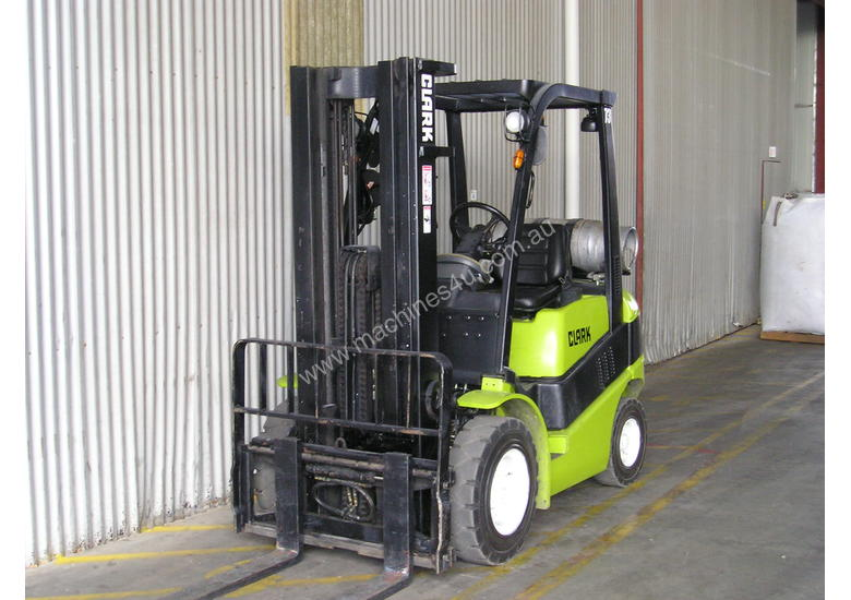 Used 2002 clark C25L Counterbalance Forklift in , - Listed
