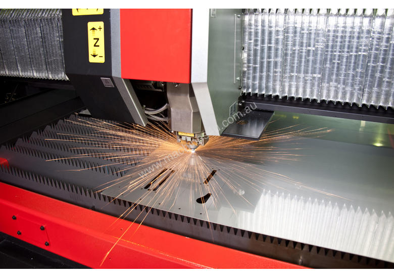 LCG3015 High Speed 3.5kw CO2 Laser - Awesome for thin to mid thick material.